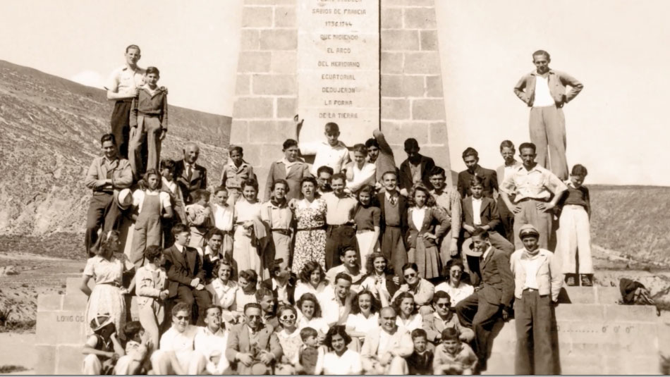 Ecuador's exile Jewish community in the 1940s at the Equatorial monument.