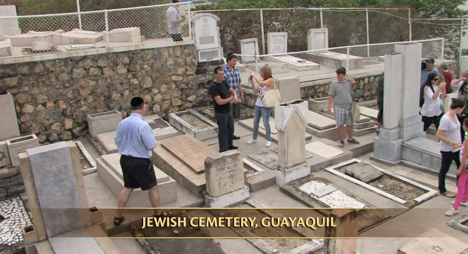 Descendants of Jewish refugees, now living abroad, return for a reunion to Ecuador--land of their birth. In Guayaquil they visit the Jewish cemetery.